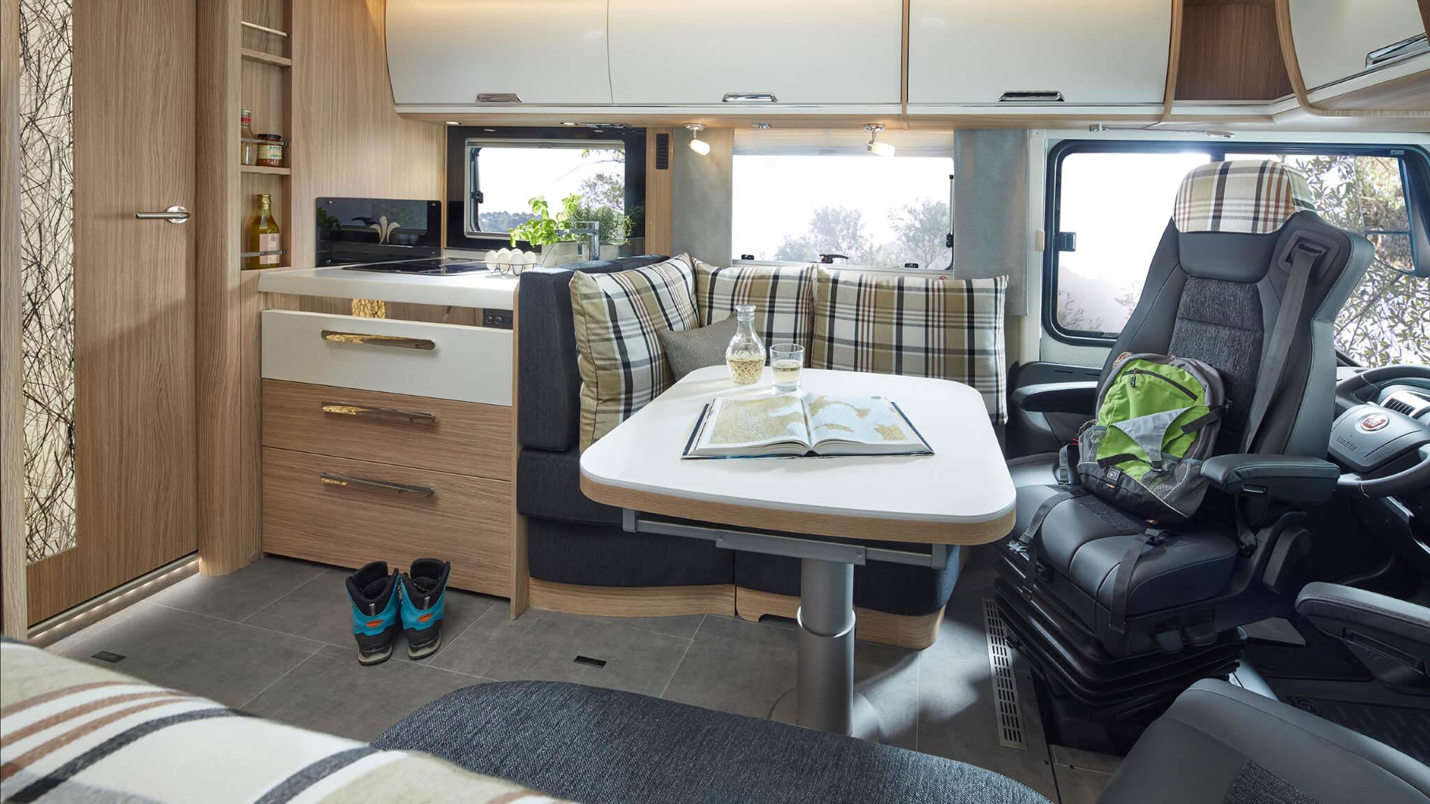 NIESMANN+BISCHOFF - Arto - Grundriss - Face-to-Face - Innenraum mit gerader Küche