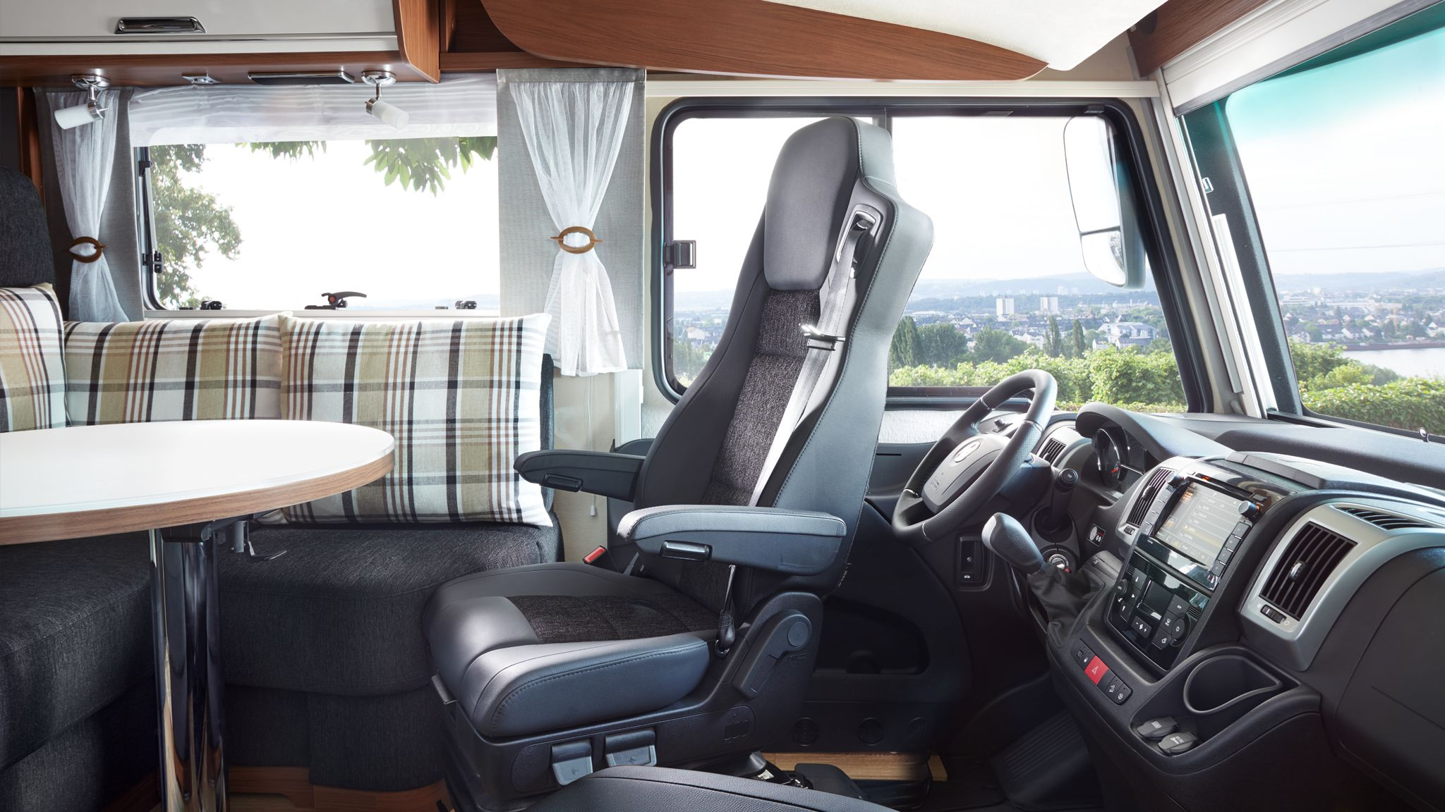 NIESMANN+BISCHOFF - Arto - Sitz nach hinten gedreht