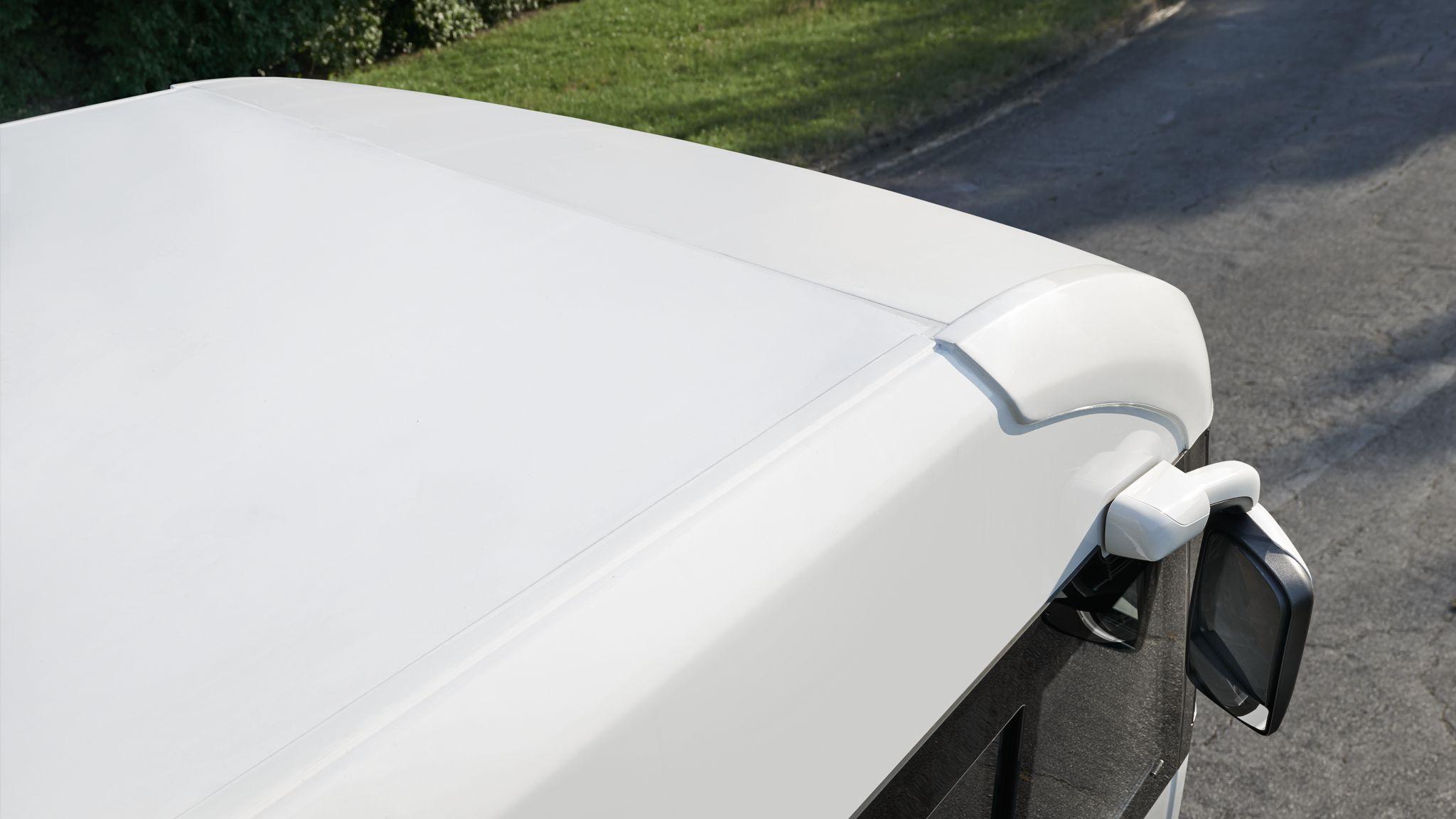NIESMANN+BISCHOFF - Flair - Seitlicher Dachschutz auf dem GfK-Dach