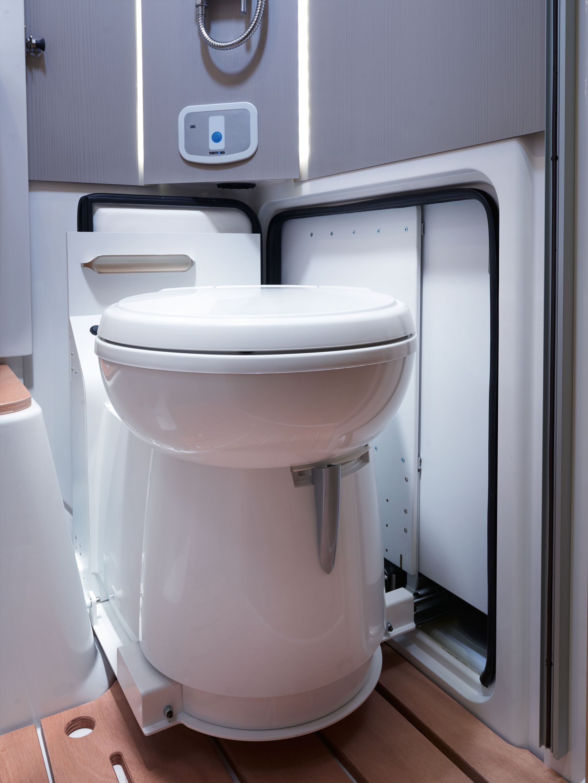 NIESMANN+BISCHOFF - Smove - Ausgefahrene Toilette