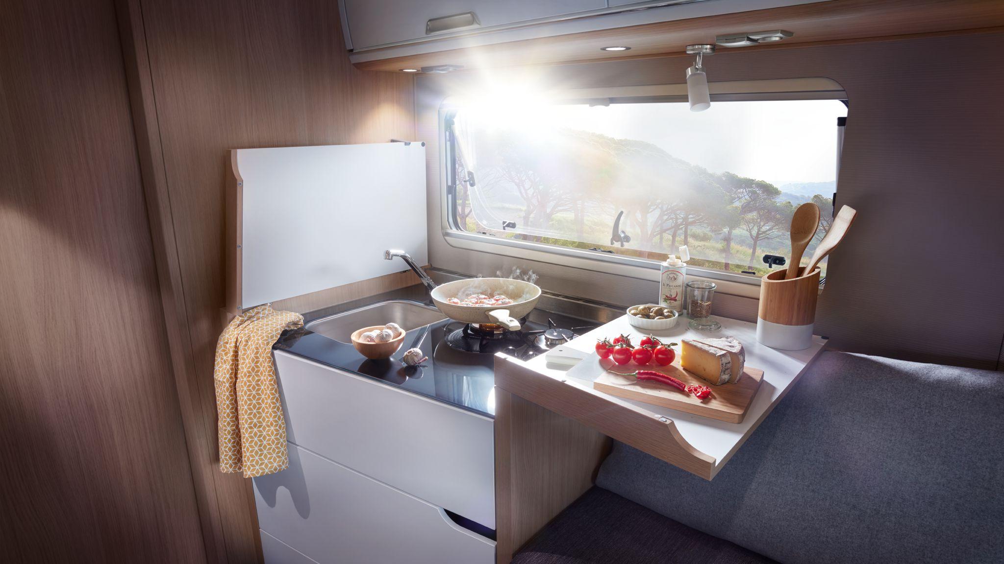 NIESMANN+BISCHOFF - Smove - Küchen Sideboard aufgeklappt