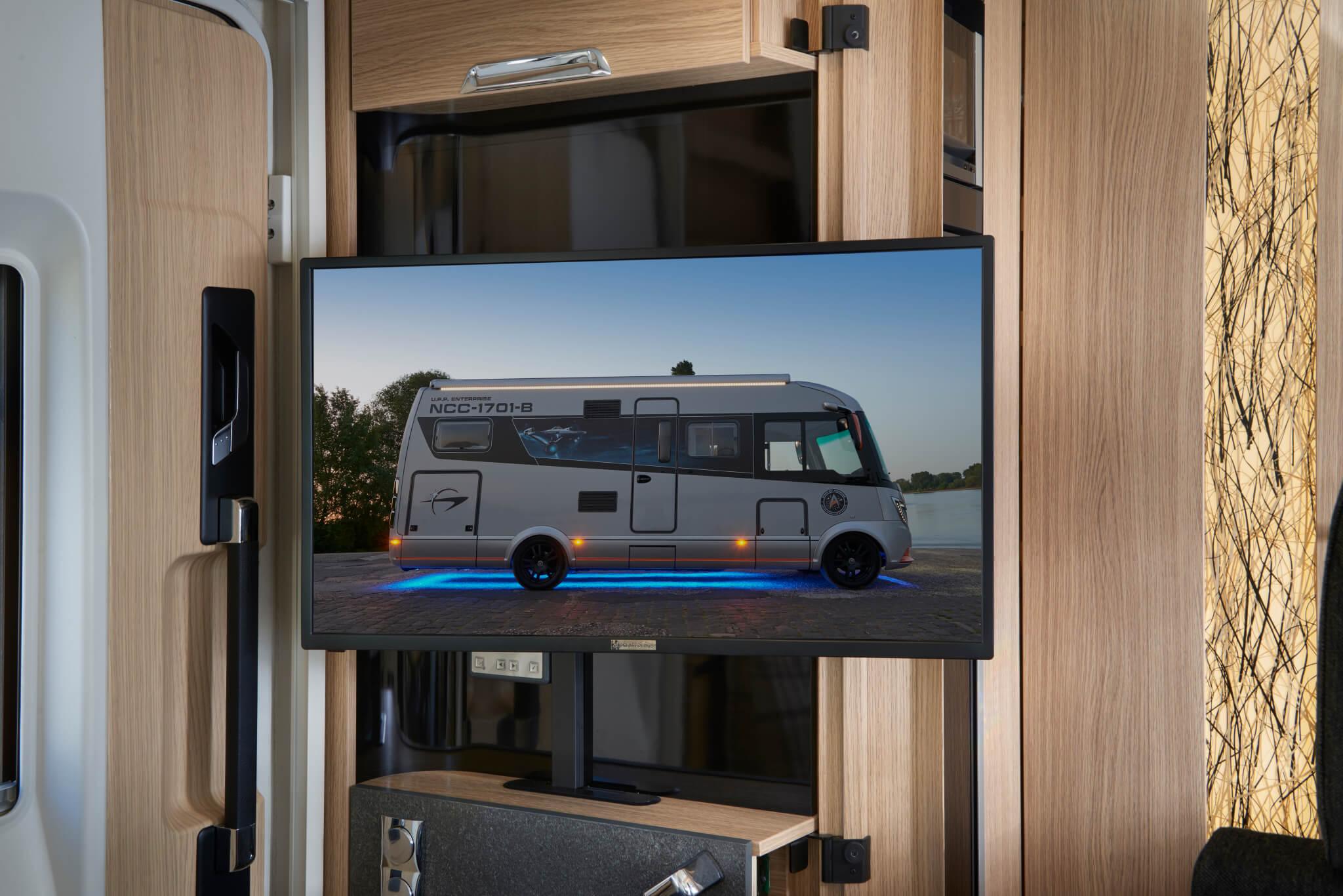 NIESMANN+BISCHOFF - Arto - Arto  82 E - 32 inch LED TV - television