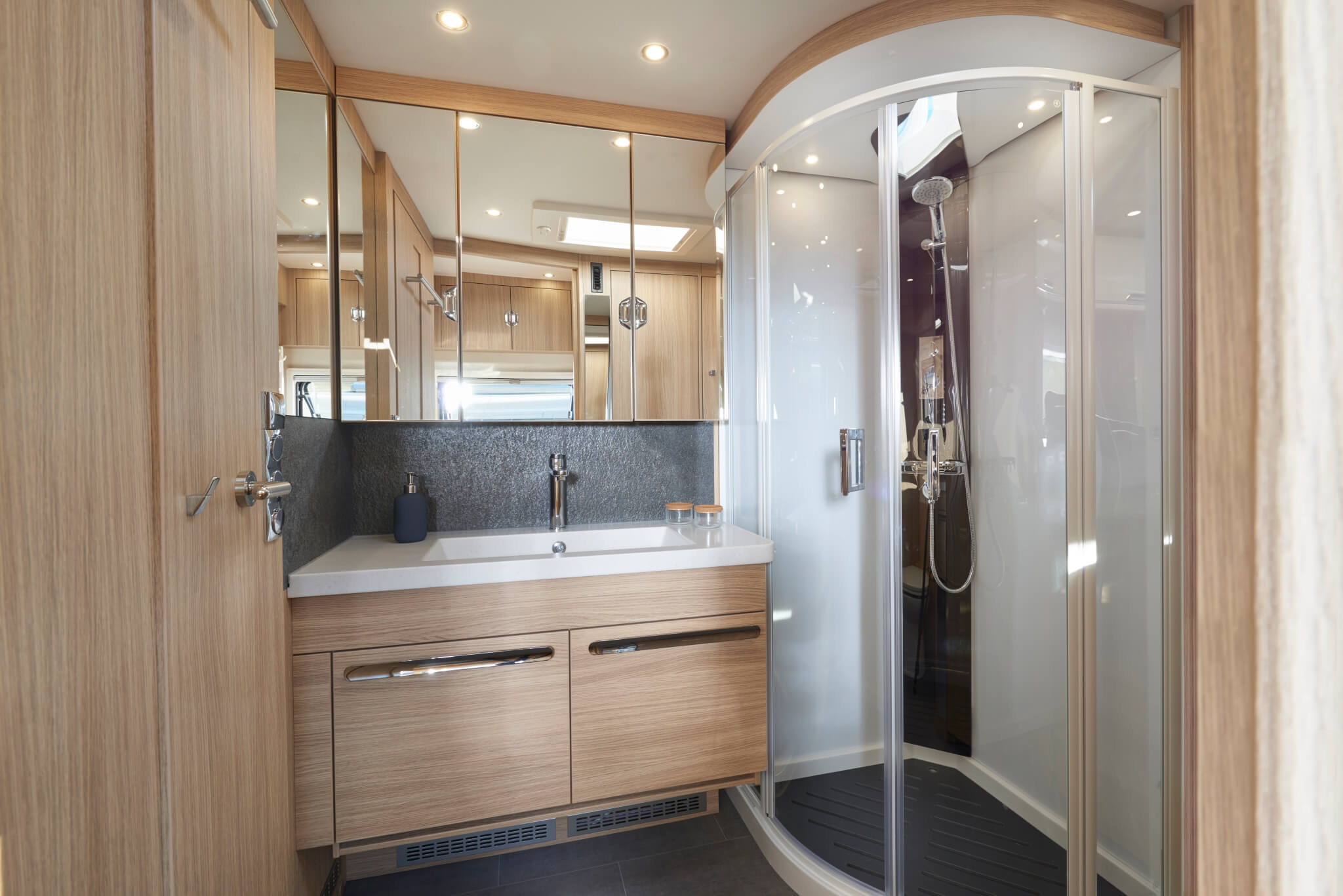 NIESMANN+BISCHOFF - Flair 920 LW - Salle de bain spacieuse XXL