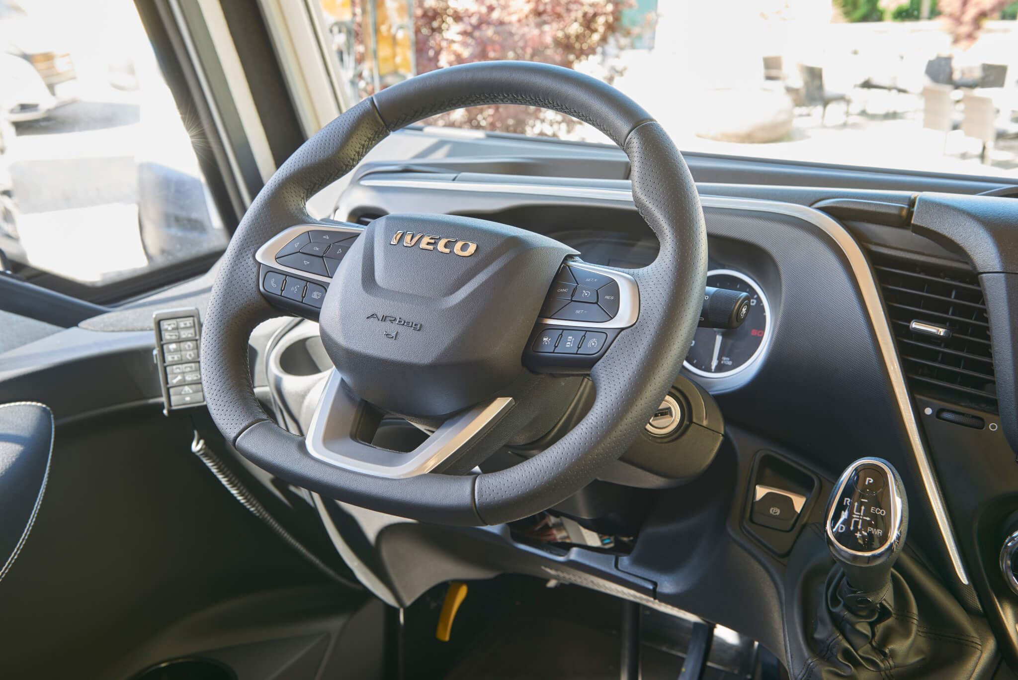 NIESMANN+BISCHOFF - Flair - Flair 920 LW - volant mulitfonctions reglable en hauteur